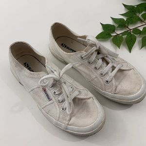 Superga Cotu Classic 7.5 White Lace Up Sneakers